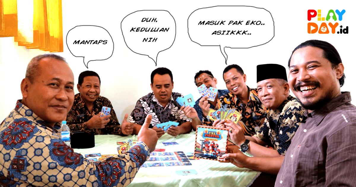 Pelatihan Pembuatan dan Pemanfaatan Board Game Sebagai Media Belajar Kepada Guru-Guru Se-Karisidenan Semarang